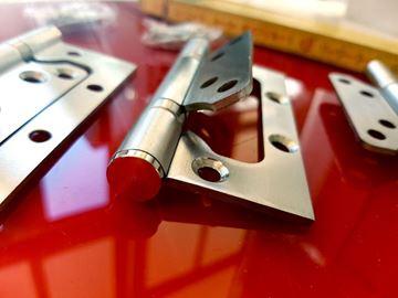 Imagen de Juego de Tres Bisagras de Acero Inoxidable, con tornillos.